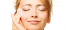Come detergere la pelle sensibile